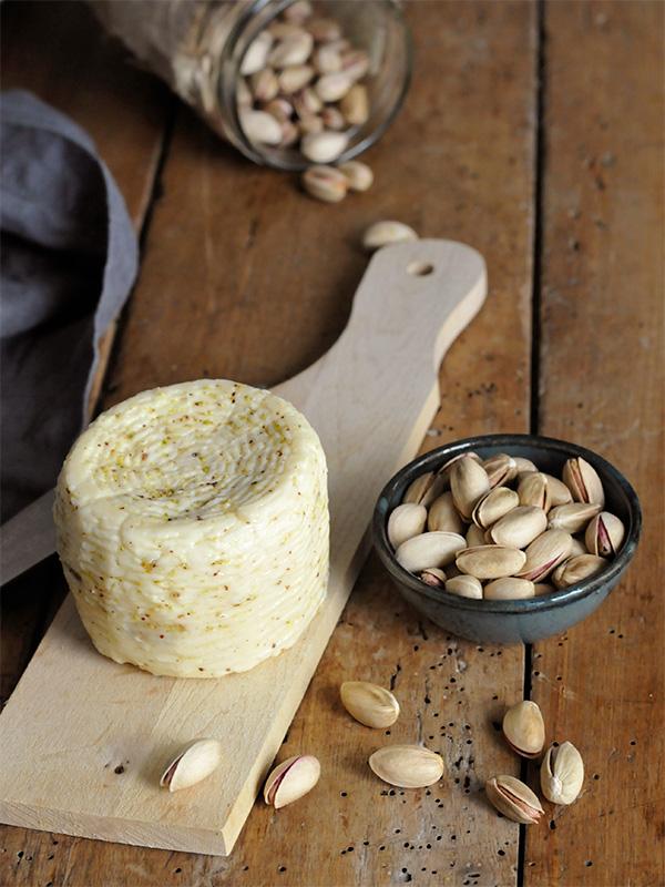 Canestrato al pistacchio | Fattoria Giambrone | CAMMARATA — SICILIA ITALIA